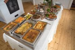 Pöyhölä juhlaruokapöytä