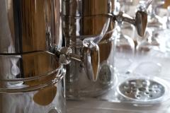 Juomakannut juomapöydässä