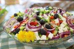 Pöyhölän perinteinen Kreikkalainen salaatti